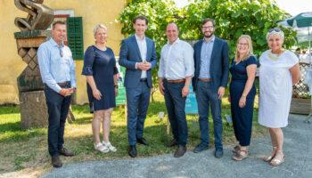 Bundeskanzler, Landeshauptmann und die ganze Steiermark zu Gast beim Weinhof Seyfried